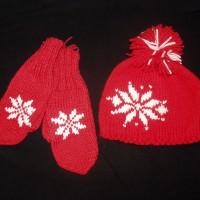 Комплект - вязаные шапочка и варежки красные со снежинкой