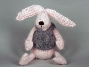Розовый заяц к 8 марта